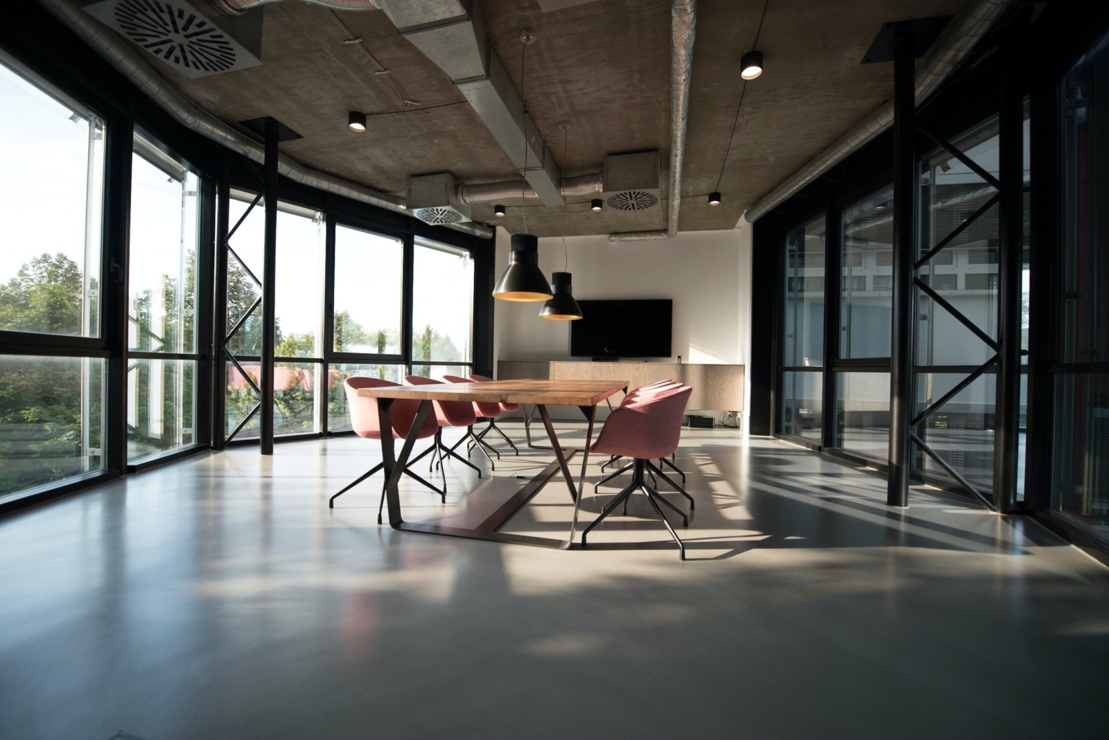 The Future of Work? The Hybrid Office, Explained